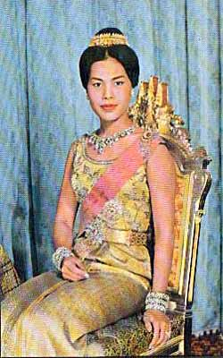 queen_sirikit-3