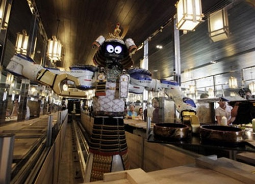 robot-waiters-in-restaurant1